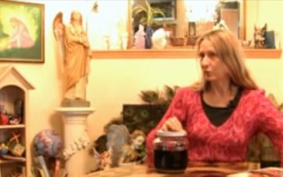 How to Make Herbal Tinctures at Home with Brigitte Mars #316 - YouTube
